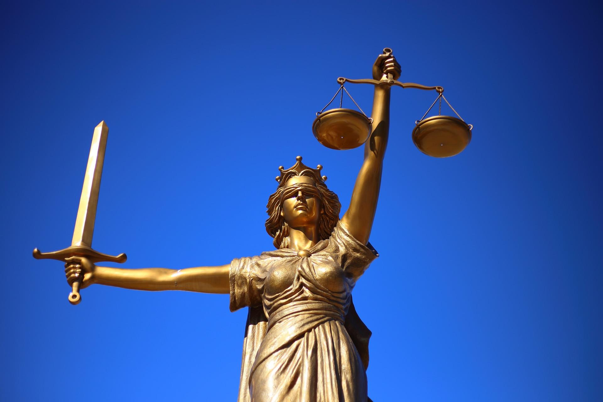 Конституционният съд реши, че работодателят има право да изплаща само част от заплатата